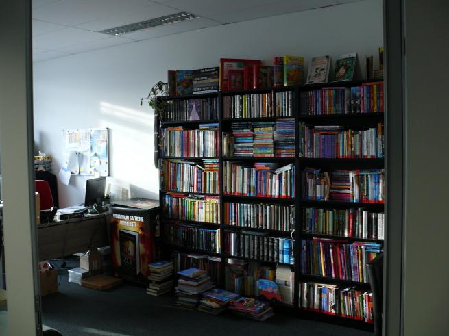 c2fe4f929108 Keďže ste vydavateľstvo asi máte v ofise knihy.