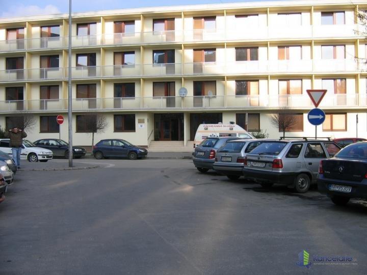 Kancelárie a priestor, Sládkovičova 7, Nitra