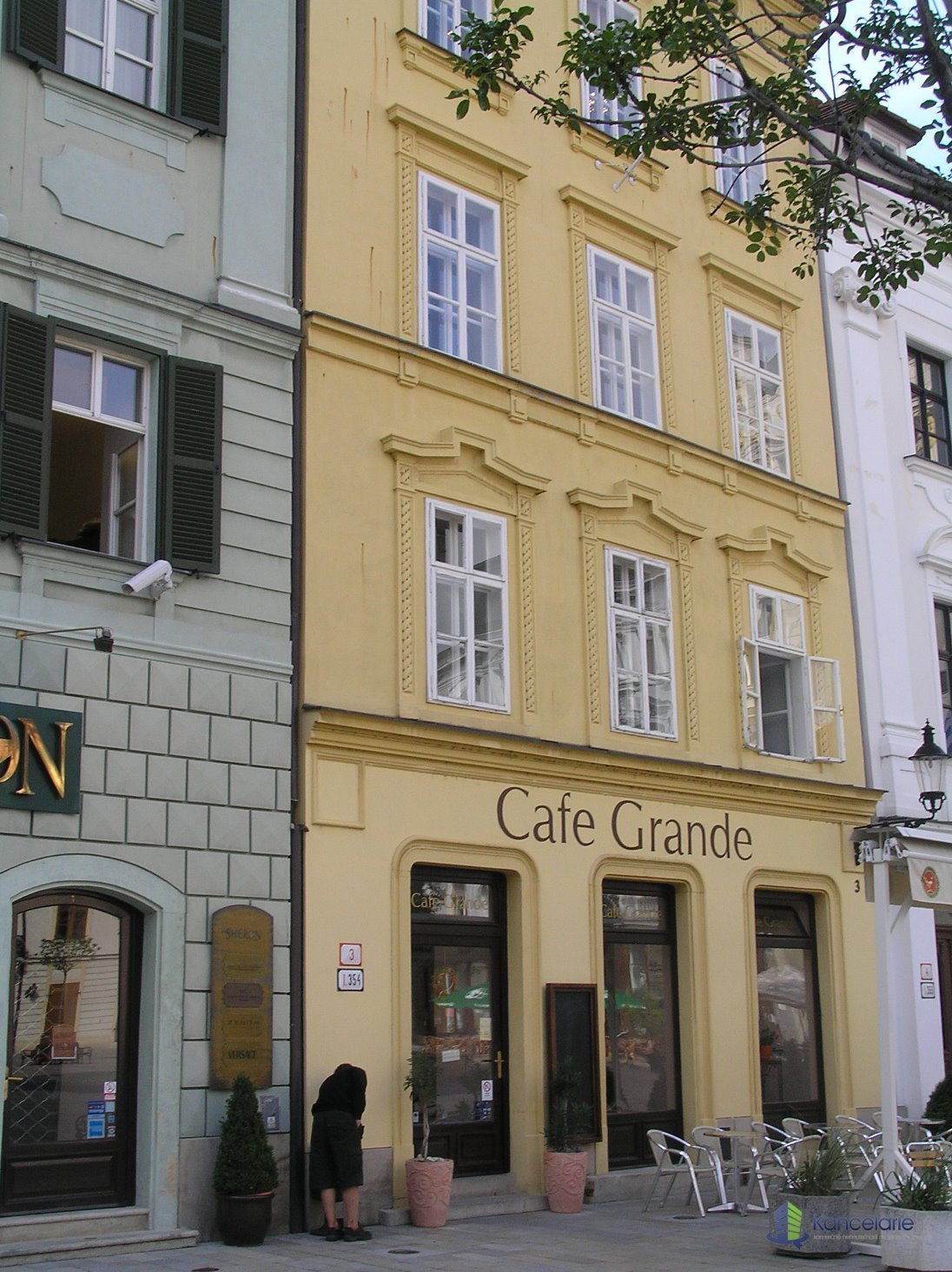 Historická budova, Kancelárske priestory na 1. a 2. NP, Hlavné námestie 3, Bratislava