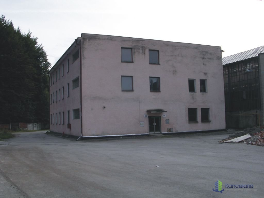 Kancelárske priestory, Budova Učňovské stredisko, Korytnická 34, Ružomberok