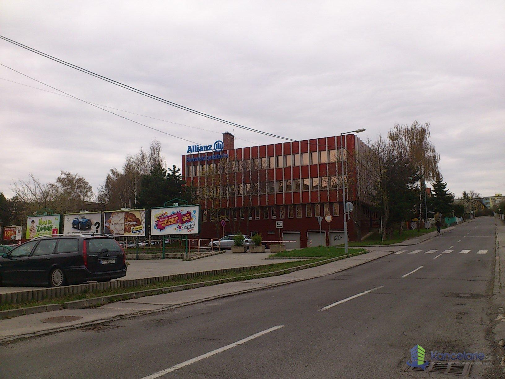 Allianz - Slovenská poisťovňa, a.s., kancelária, Záhradnícka 24, Prievidza
