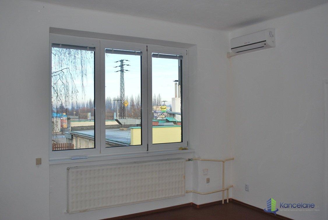 Administratívna budova, Kancelária, Rybárska 37, Nitra