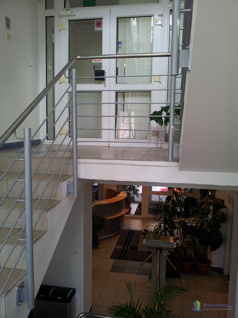 Budova Cosmotrade, Kancelária na prízemí, Sabinovská 8, Bratislava