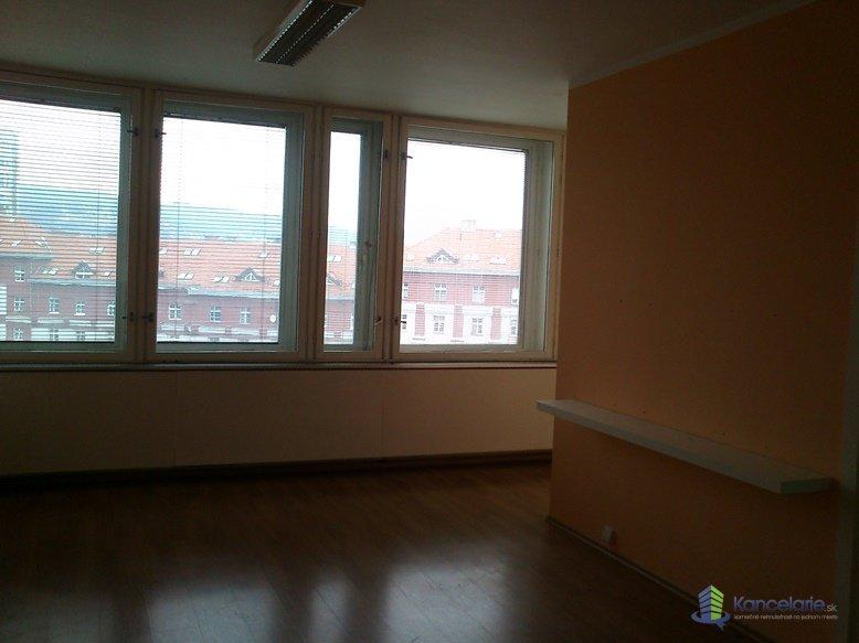 Administratívna budova, kancelárske priestory, Miletičova 1, Bratislava