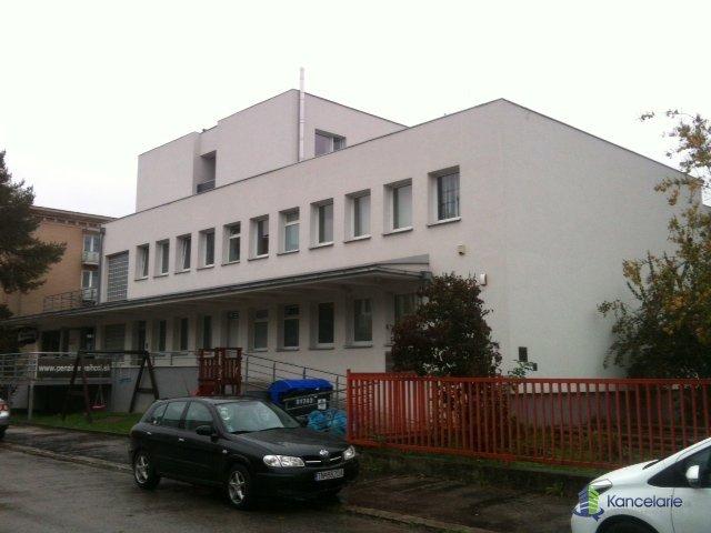 Kancelárske priestory, Švermova 1631, Trenčín