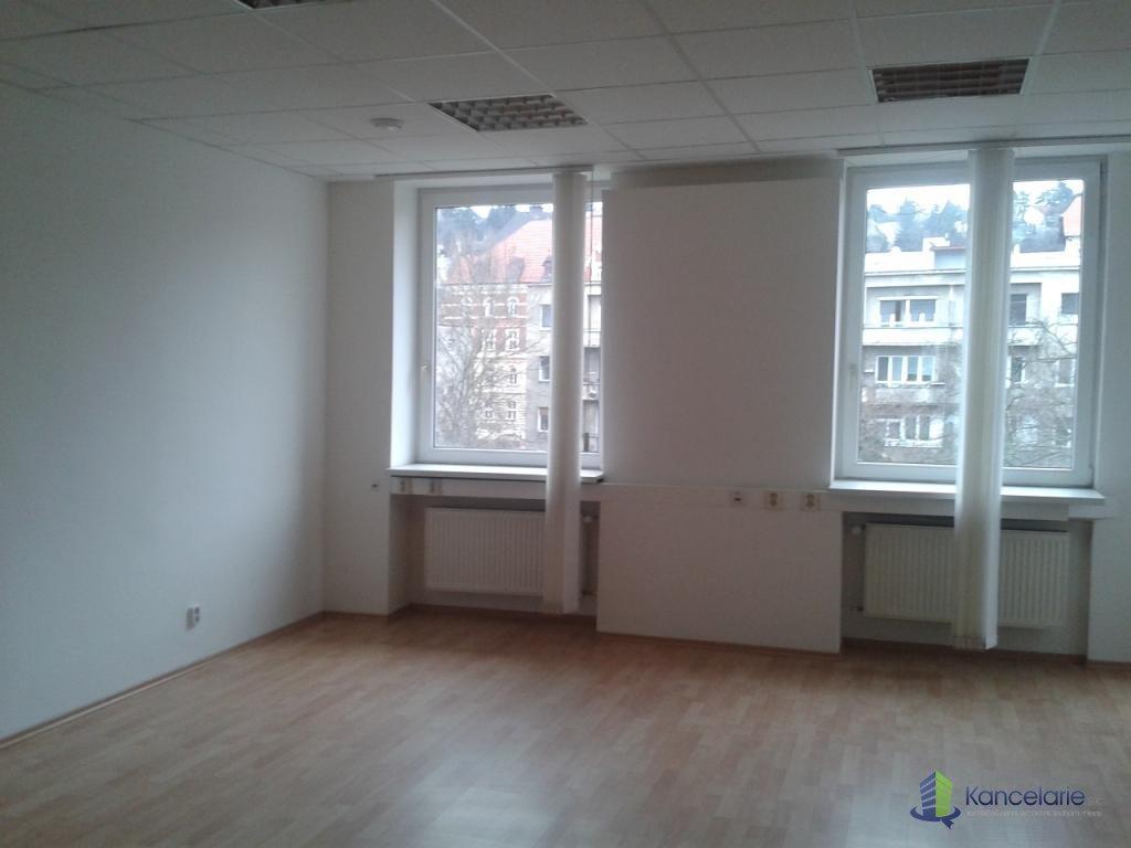 Administratívna budova, Samostatný sektor na 2. poschodí, Pražská 11, Bratislava