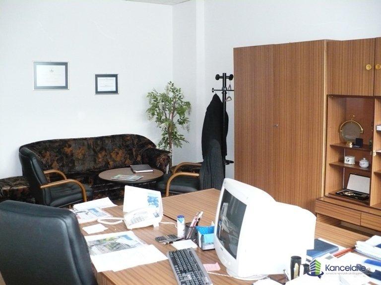 Administratívna budova, Kancelárske priestory, M. R. Štefánika 379/19, Trenčín