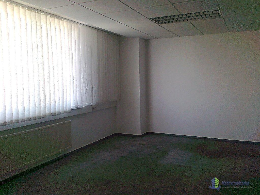 AB Allianz - Slovenská poisťovňa, a.s., Kancelárie, M.R.Štefánika 2393/29, Trebišov