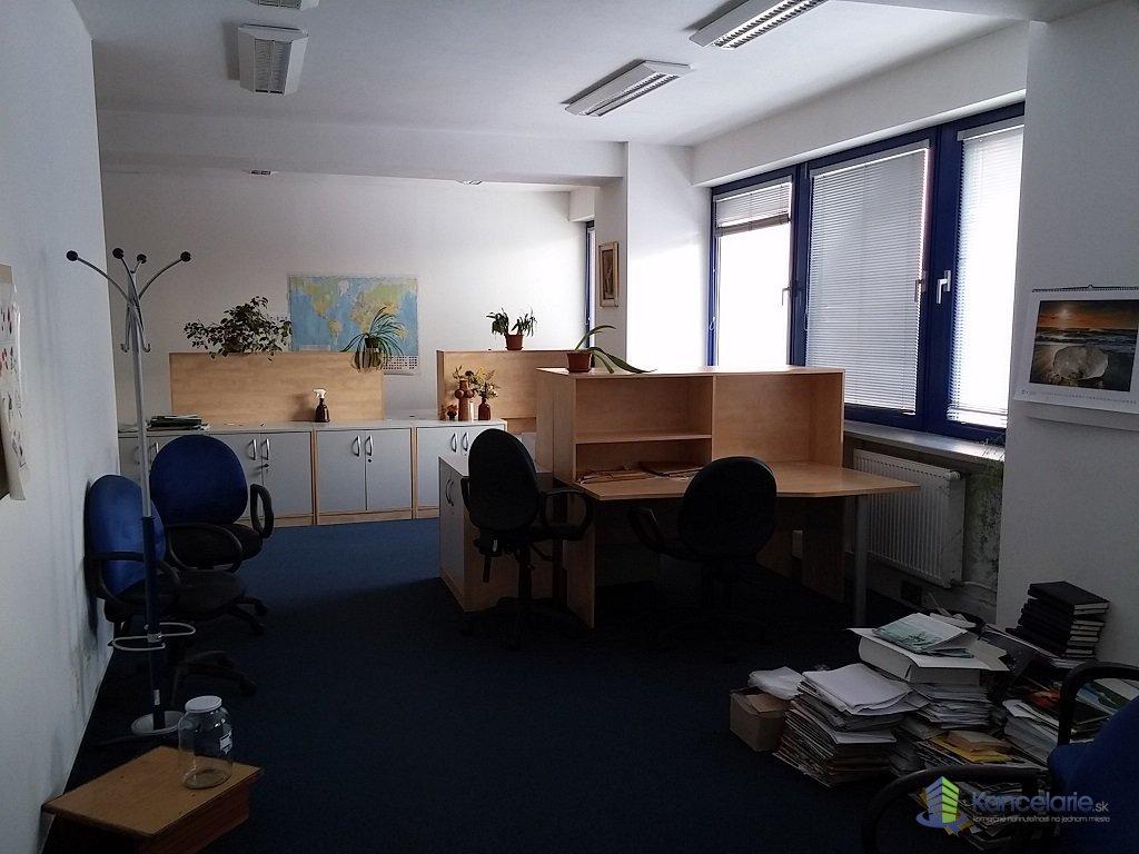Allianz-Slovenská poisťovňa a.s., Voľné kancelárie na 2.N.P., Nám.SNP 98/2, Zvolen