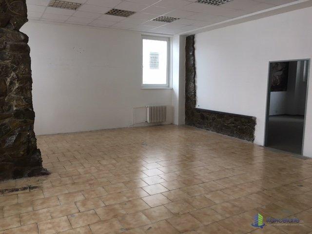 Strojár, podnikateľské centrum, Prízemie od Rastislavovej ulice aj cez p, Južná trieda 93, Košice