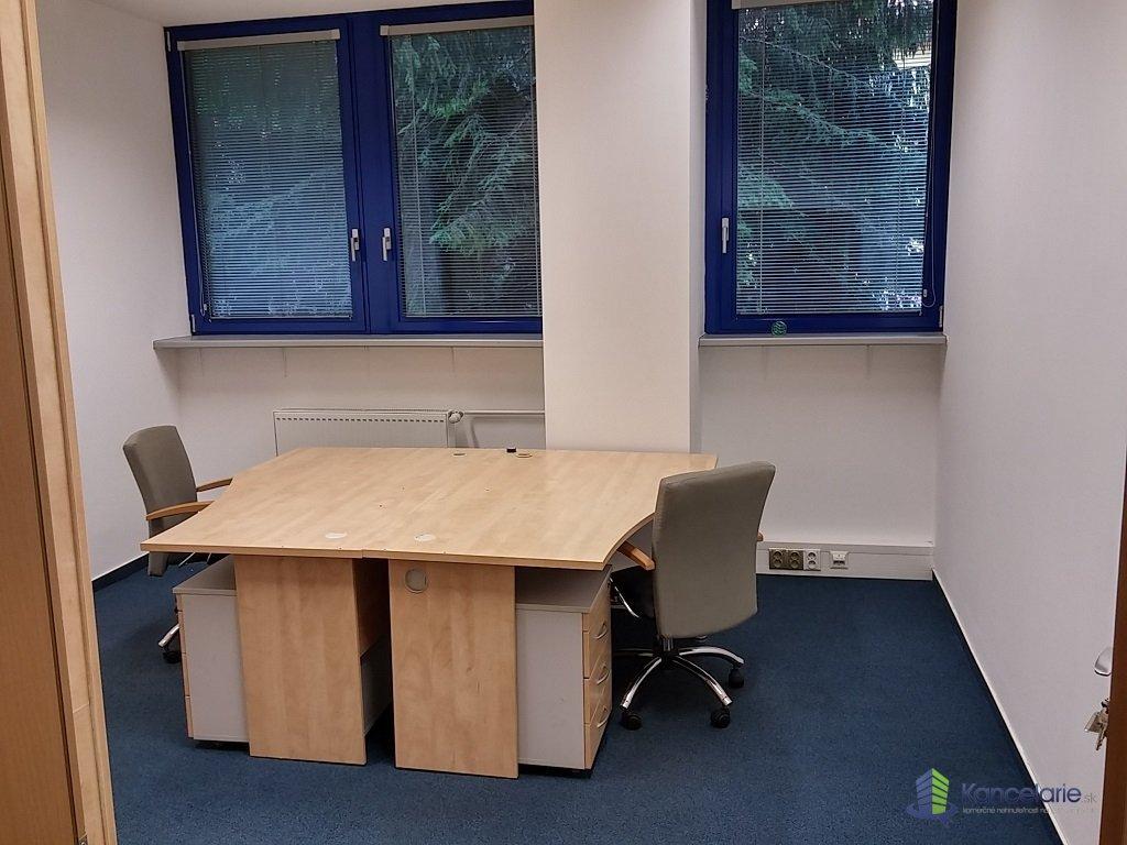 Allianz-Slovenská poisťovňa a.s., Voľné kancelárie na prízemí, Nám.SNP 98/2, Zvolen