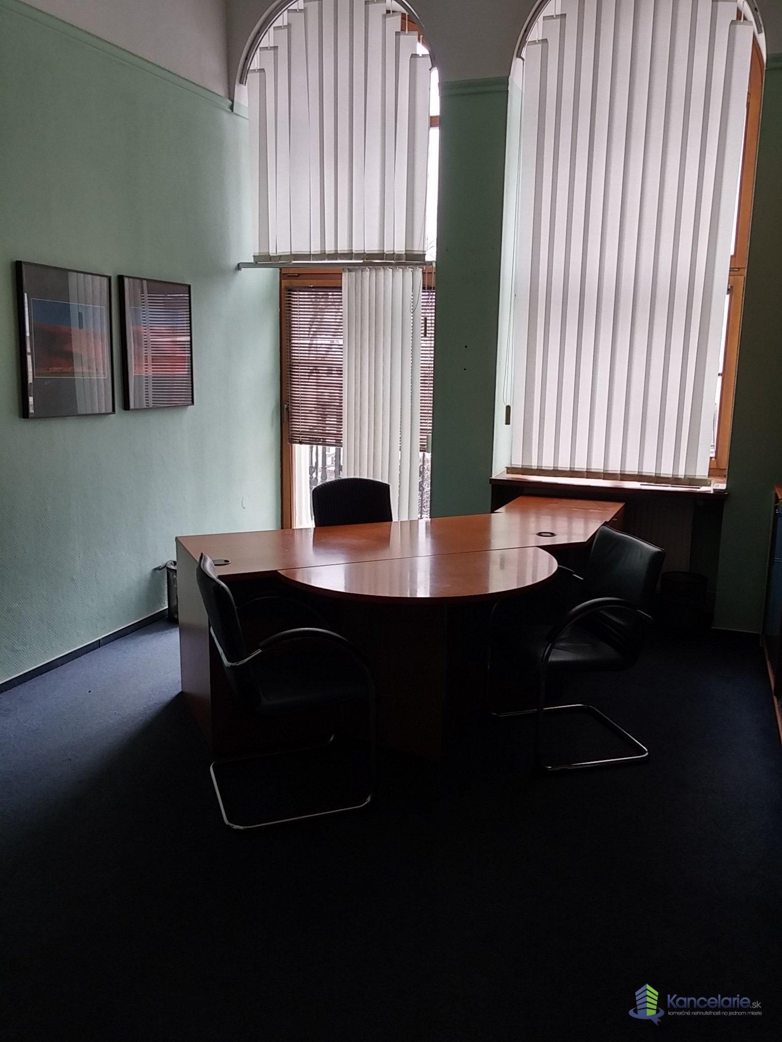 AB Allianz - Slovenská poisťovňa, a.s., Kancelária č. 204, Hlavné námestie 22/1, Rimavská Sobota