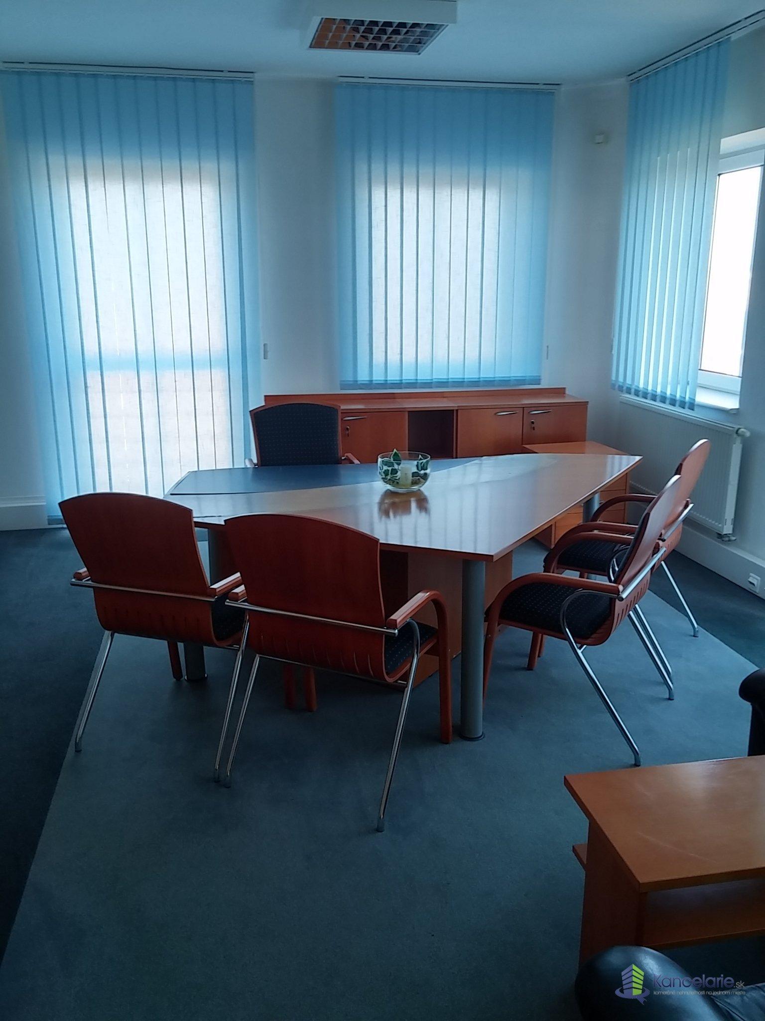 AB Allianz - Slovenská poisťovňa, a.s., Kancelária č.727, P.Rádayho 8, Lučenec