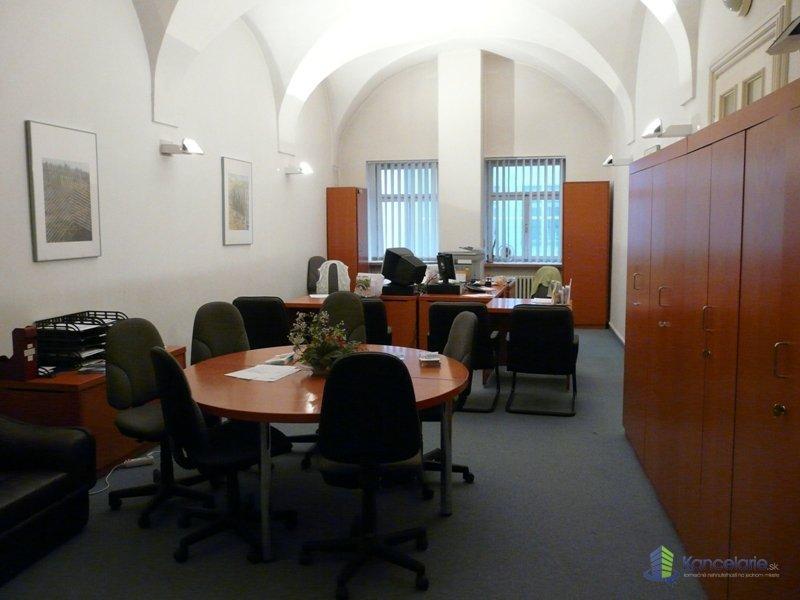 OTP Buildings, Kancelárie v centre mesta, Nám. SNP 15, Banská Bystrica