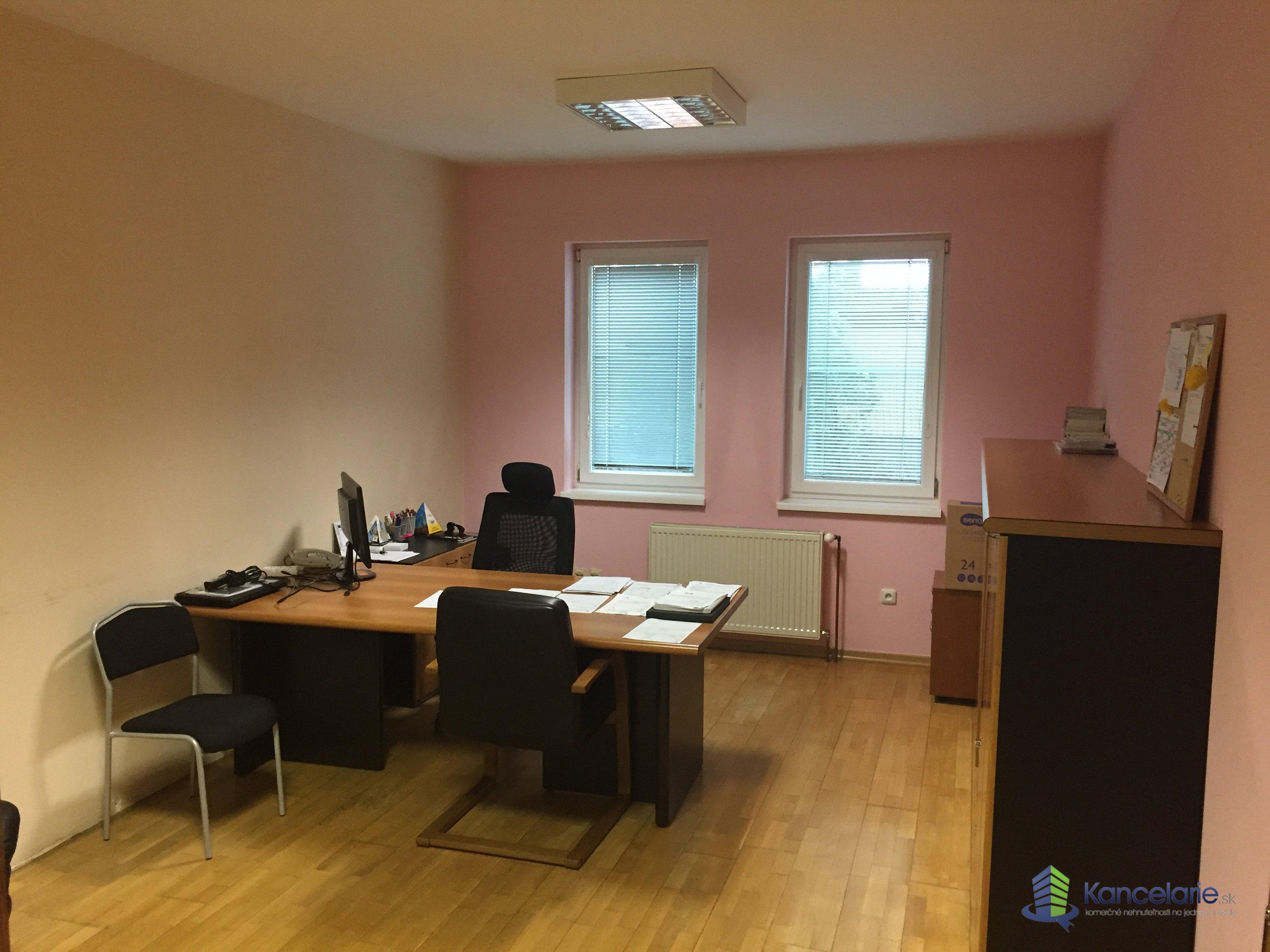 Administratívna budova, Kancelárske priestory na 2. NP, Oravská 13, Senec