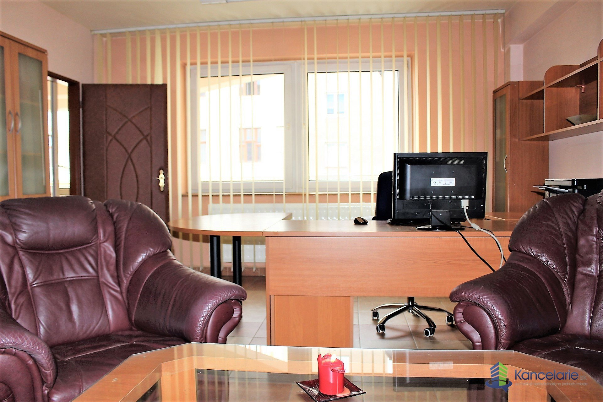Polyfunkčný objekt Arkádia, Kancelársky apartmán, Kukučínova 20, Banská Bystrica