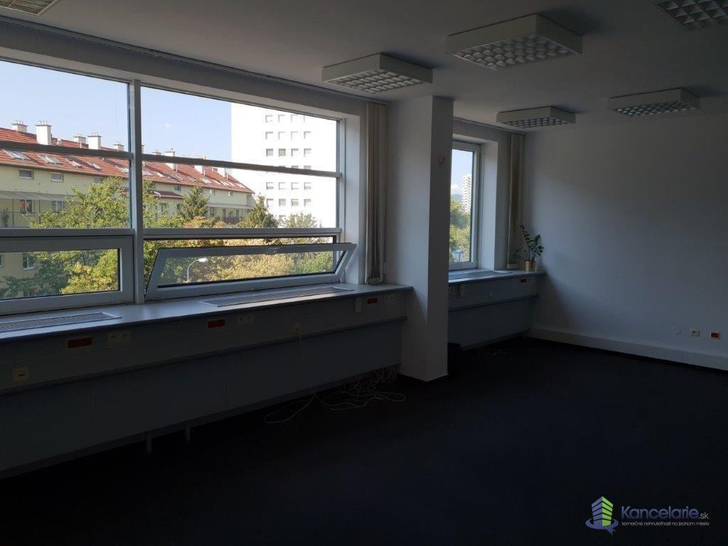 Administratívna budova DOAS, AB DOAS - 3 a 7.poschodie, Košická 56, Bratislava